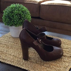Joie leather vintage heels